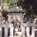 114御屋地様の墓