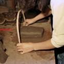 3弓で粘土を切る